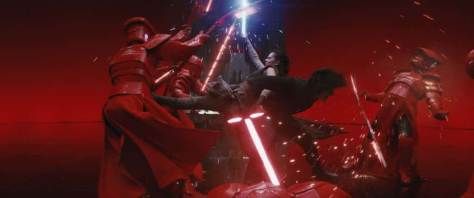 Star-Wars-The-Last-Jedi-Rey-and-Kylo-Fight-Praetorian-Guards-in-Throne-Room