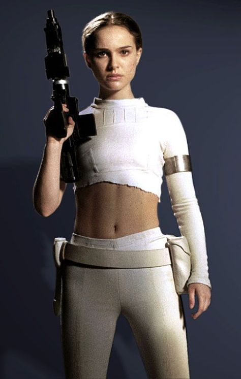 padmewhiteoutfittorn